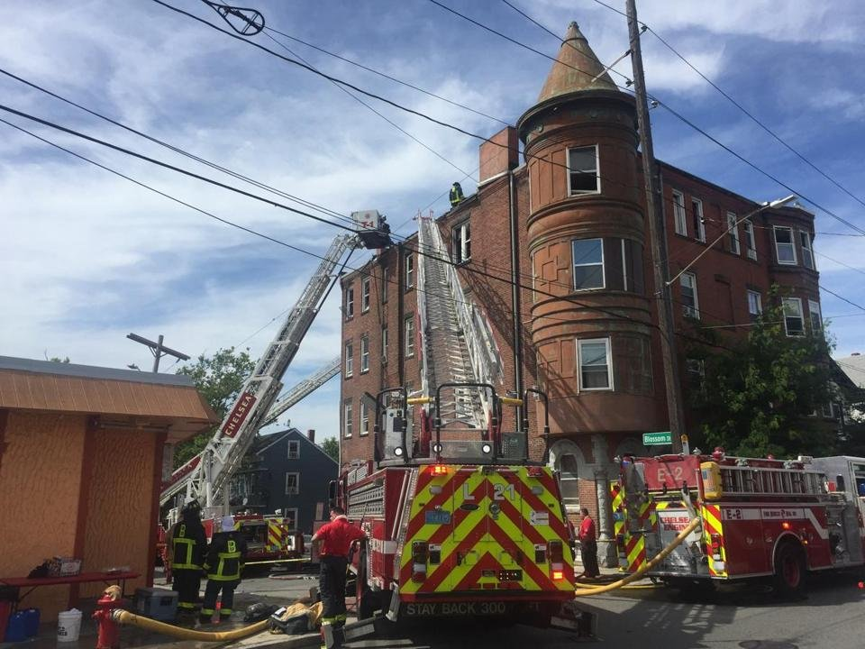 Crews of firefighters are responding to a three-alarm blaze at the corner of Blossom Street and Washington Avenue in Chelsea. https://t.co/XrgnLuf4iM