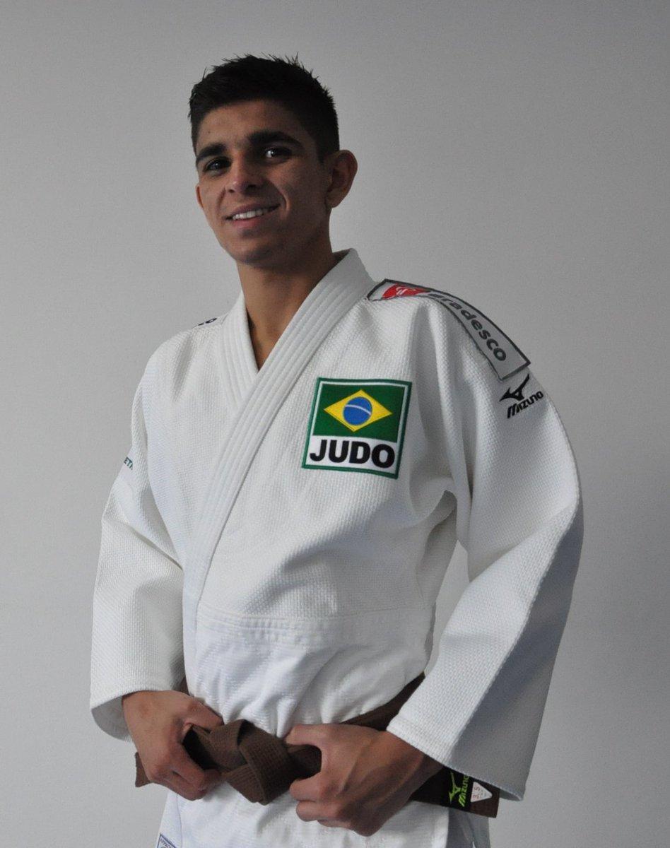 É OURO! O novato Renan Torres (60kg) imobilizou Roberto Almenares, de Cuba, e conquistou o título da Copa Pan-Americana de Lima/PER por ippon! #PreparadosParaVencer