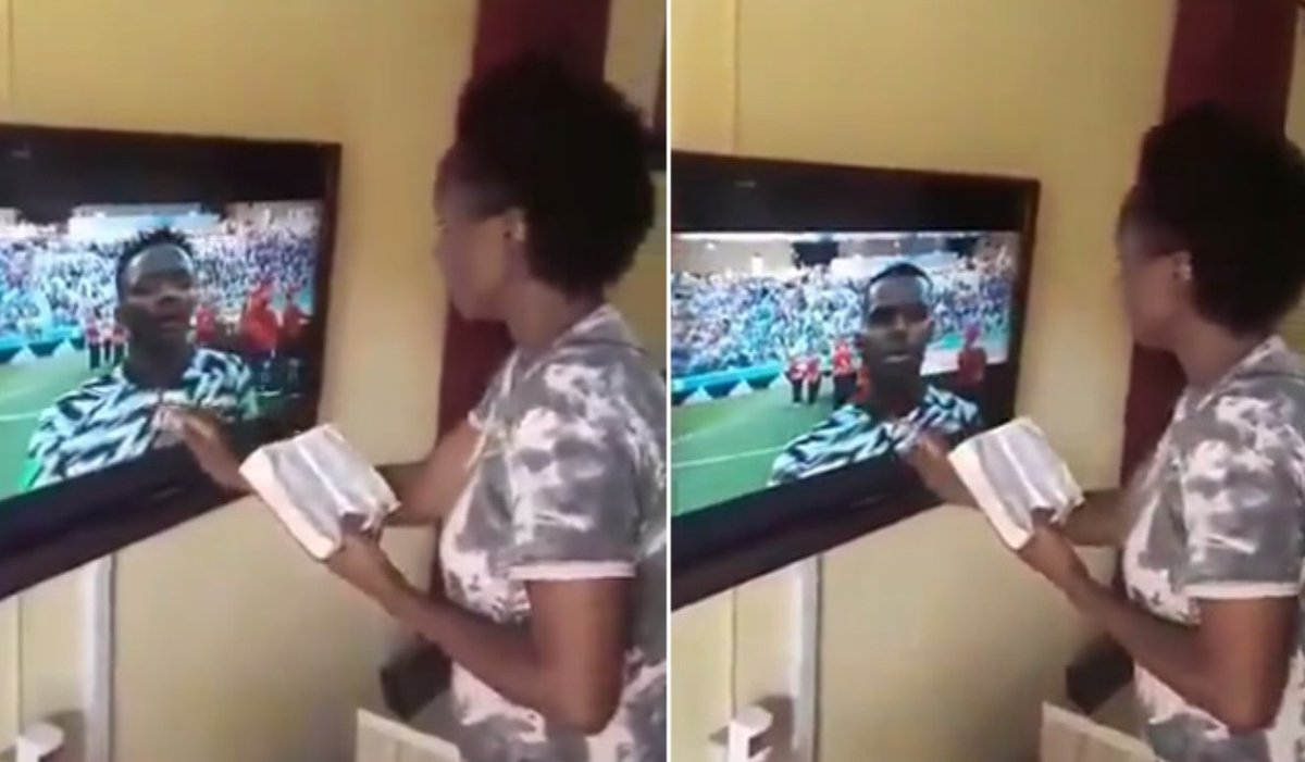 [VIDEO] Nigeria Vs Iceland: Woman 'transmits' anointing to Super Eagles bit.ly/2KaXCFJ
