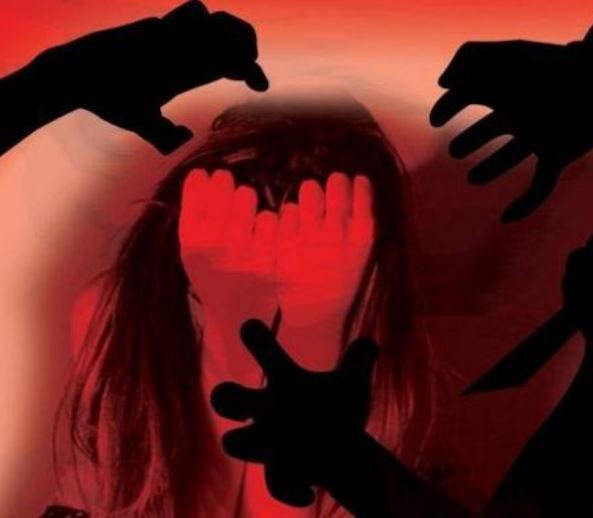 5 women activists #gangraped at gunpoint in #Jharkhand, Assault filmed tehelka.com/5-women-activi…
