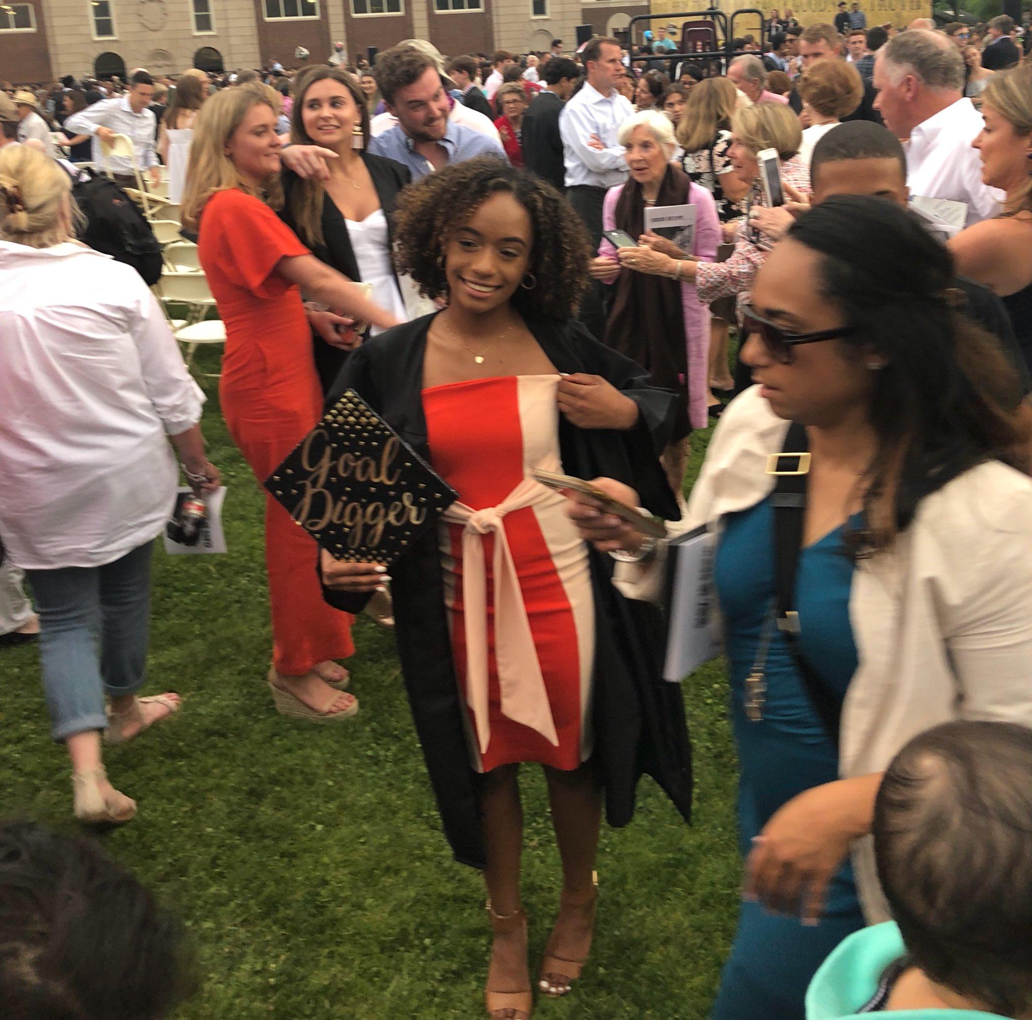 Grad dress from @OfficialPLT ����♀️ https://t.co/UPNdaNizeW