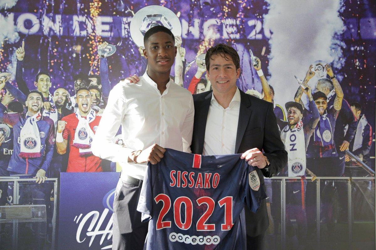OFFICIEL ! Moussa Sissako signe son premier contrat professionnel avec le PSG.