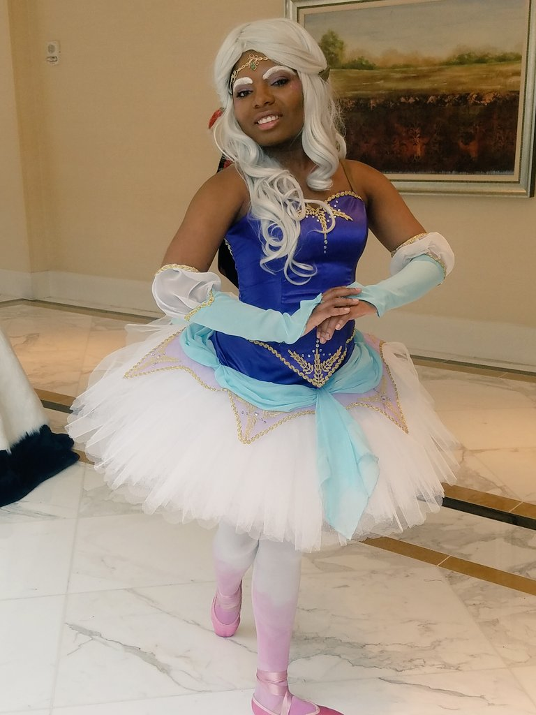 So here are some the few images I have of my Ballet!Voltron Allura cosplay. I didn&#39;t take a lot of pics because... despite designing it and making the entire thing myself, I didnt feel proud of it. In retrospect I should have had more faith in my work! <br>http://pic.twitter.com/QViAw0Kmuq