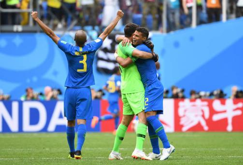 COPA #DIA9: Brasil vence, Neymar desabafa e Argentina 'respira' https://t.co/ENskyqyhxf