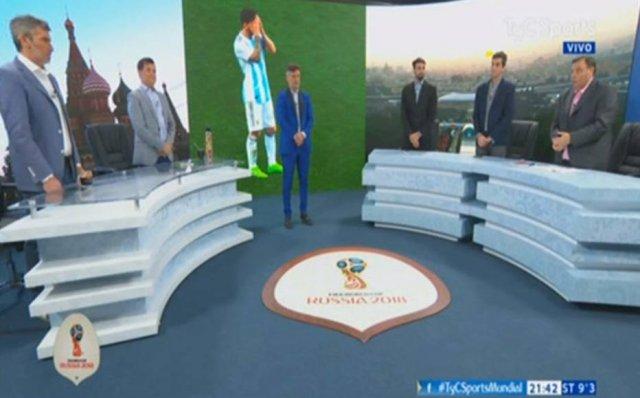 TV argentina faz minuto de silêncio por 'morte' de seleção; assista https://t.co/DwOHqGMy8V -via @Emais_Estadao