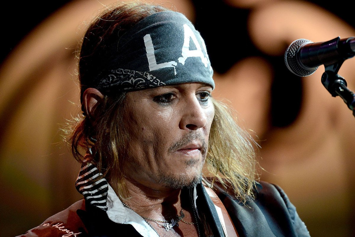 That's a lot of money... Johnny Depp's spending is even more insane than anyone knew https://t.co/WXb0rjHK0O