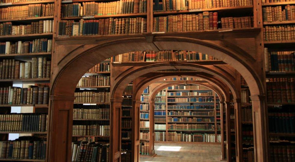 """Nei ghiacci dell'Artico una """"#biblioteca-bunker"""" per custodire tutti i #libri e il sapere umano: http://bit.ly/2ocGJ2D   - Ukustom"""