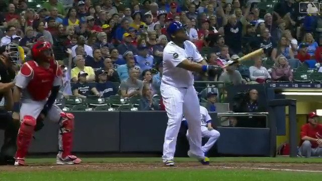 WALKOFF in Milwaukee! Jesus Aguilar gets it done with his 2nd HR of the game (via @MLB)