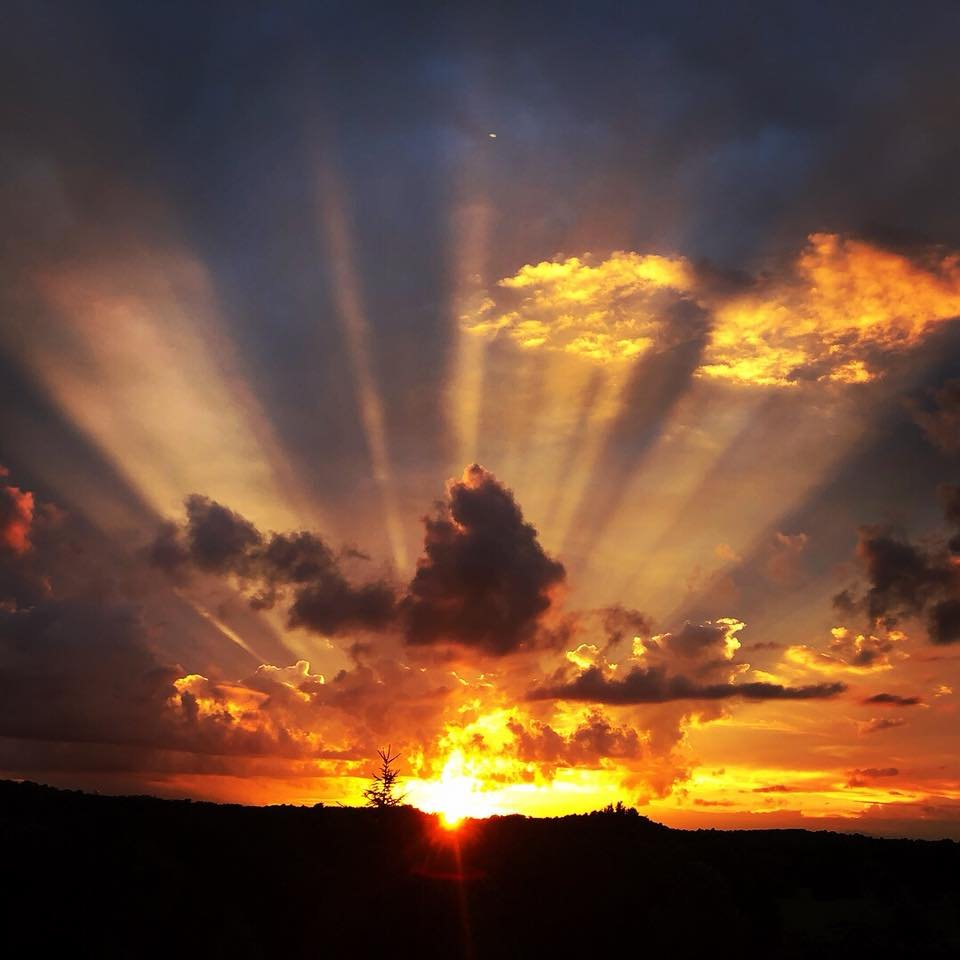 Kentucky sunset.Psalm 19:1 The heavens declare the glory of God; the skies proclaim the work of his hands.