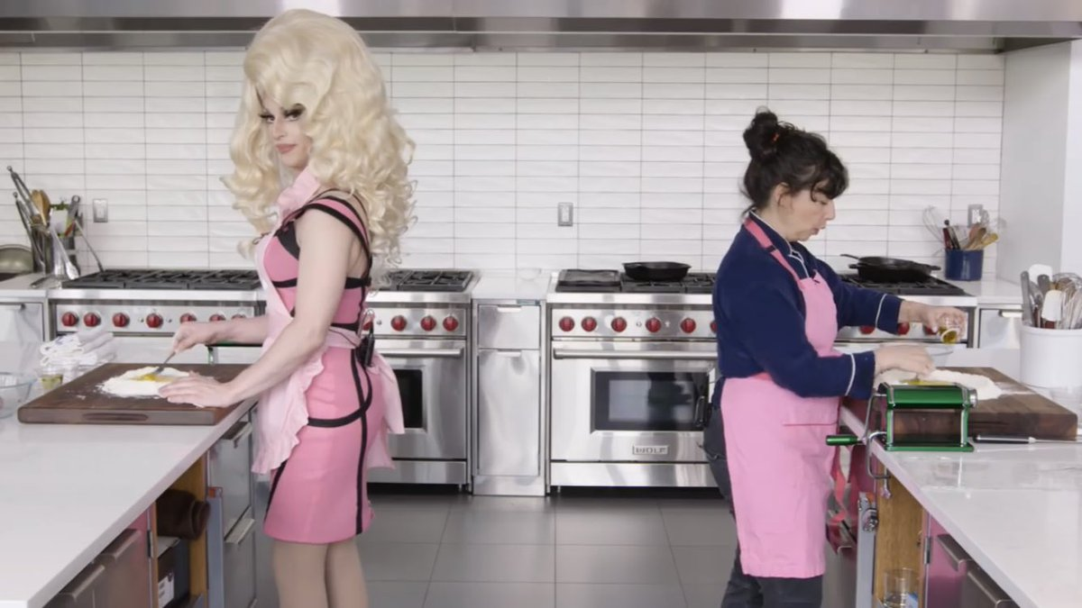 ok so @miz_cracker looking directly into the camera during B2B chef is my mood permanently <br>http://pic.twitter.com/RbRFFkcdHt