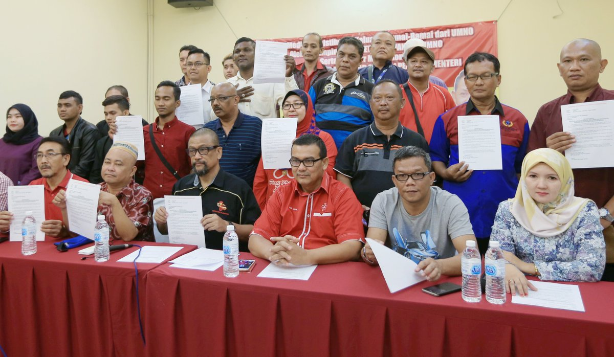 10 Negri Sembilan Umno branch leaders quit party nst.com.my/news/politics/…