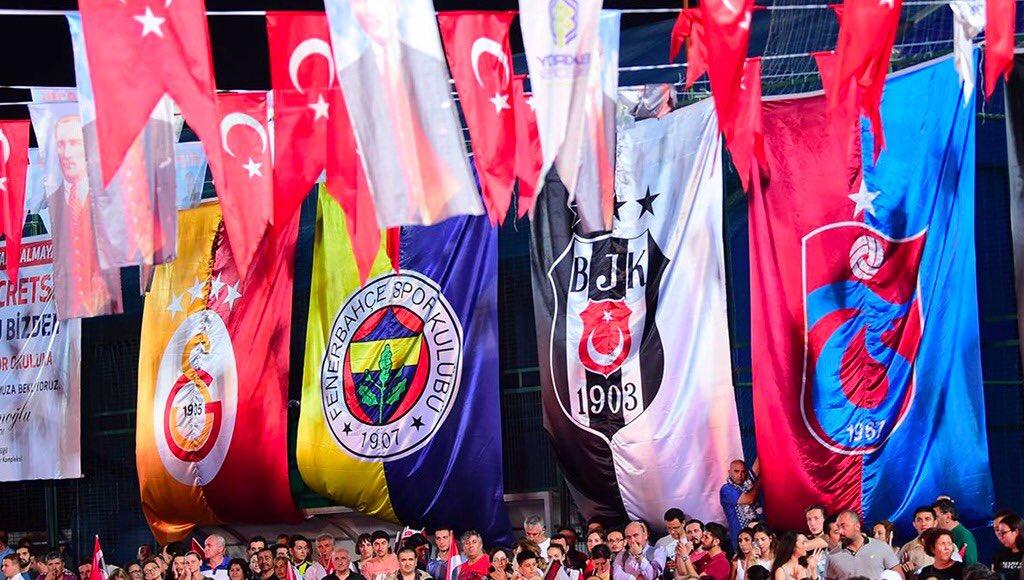 Formalar ve bayraklar hazır mı? Cumhuriyet tarihinin en büyük mitingini birlikte yapacağız.