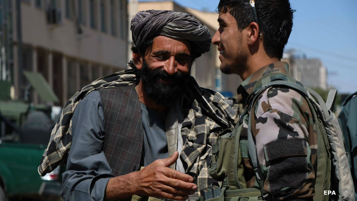 The Taliban and the government both called ceasefires at the end of Ramadan - and both sides were surprised at how friendly their soldiers and fighters were. 📻 https://t.co/VhxSJMAnOv