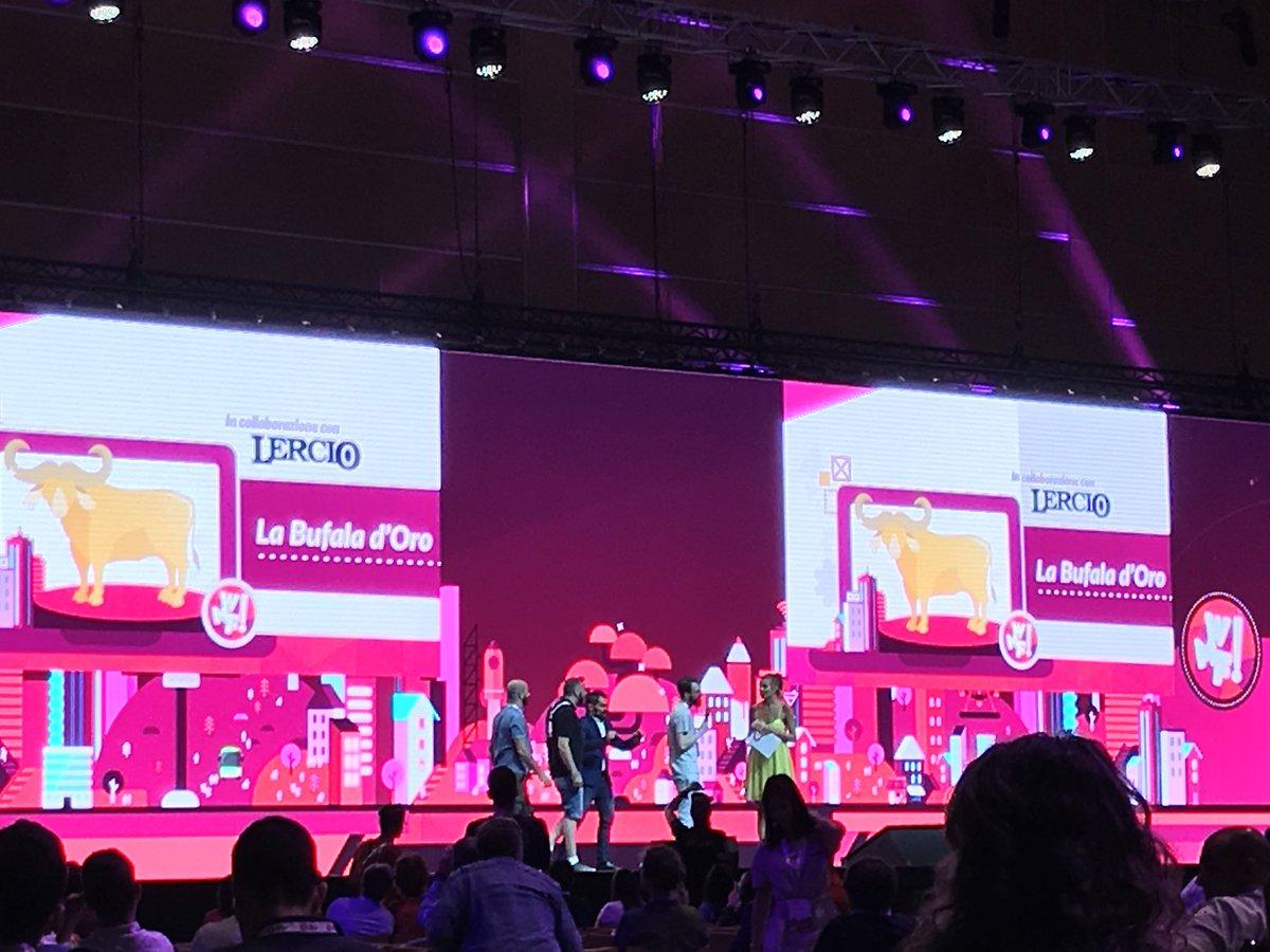 La bufala d'oro | premio per la peggior fake news online in collaborazione tra @LercioIt e @ilfestival | #wmf18 #fakenews  - Ukustom