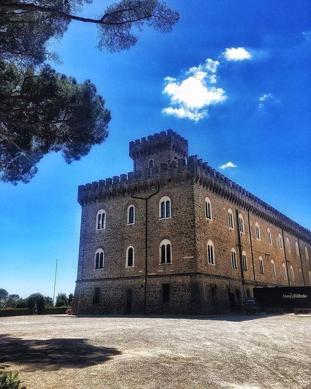Buon pomeriggio da castello Pasquini a Castiglioncello #inprovinciadiLi. Grazie a @manzbob68#igerslivorno #igerstoscana #igersitalia #thetuscantimes #huffpostagram #betuscan #Italy #tuscany #livorno #toscana #italia #leghorn #0586 #boiadé #57100 #tusca… https://ift.tt/2tw7Oyd  - Ukustom