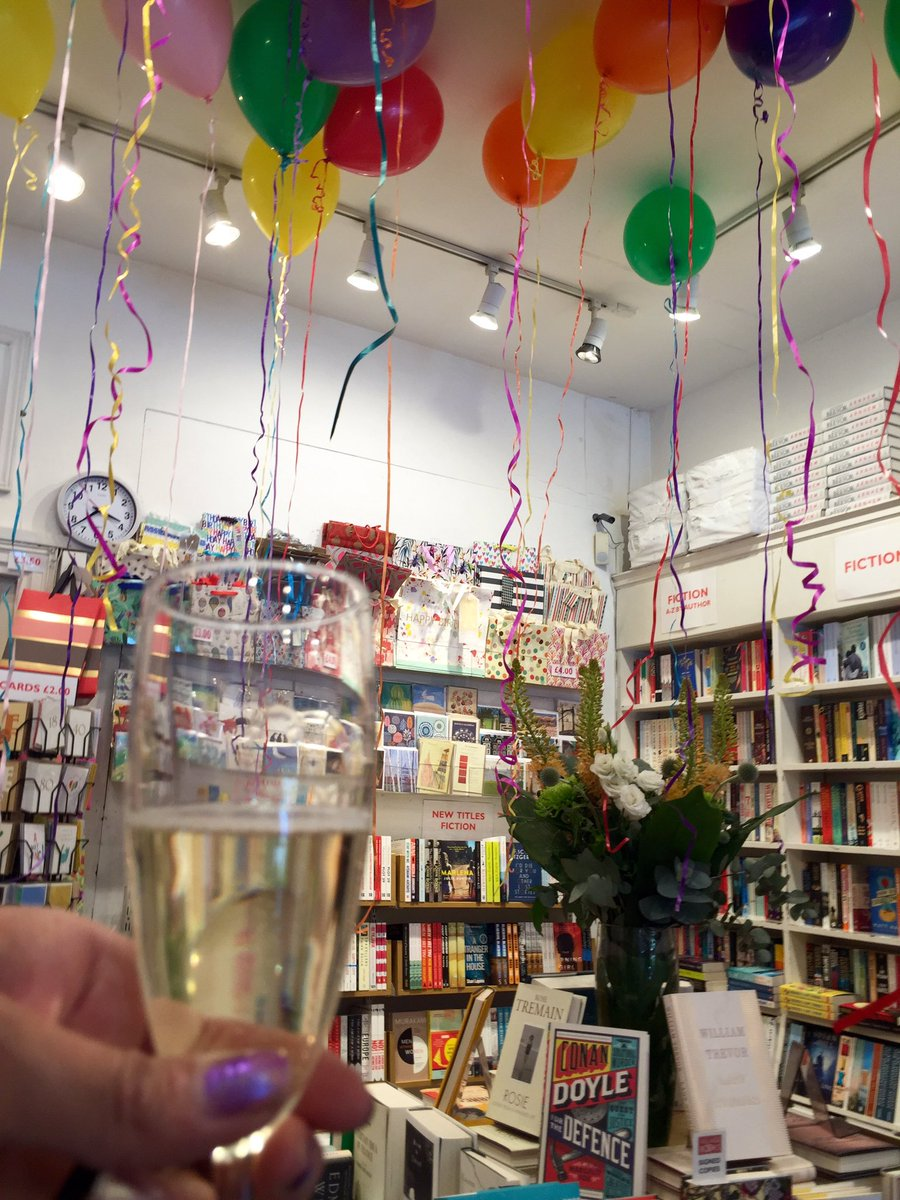 What to do when your fave independent book shop is celebrating #IndependentBookShopWeek? Say yes please ☺️ Thank you Village Books @bookshopdulwich Its always a pleasure visiting you. ❤️📚 Thank you also to the baker of those amazing homemade custard creams. Yum 😋
