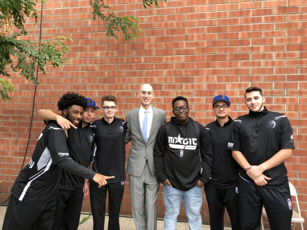 The NBA Commissioner came to hangout with his favorite team at the @NBA2KLeague studios yesterday😉 We appreciate all that you do for our league! 🎮🏀#TwitterlessCommissionerSilver !