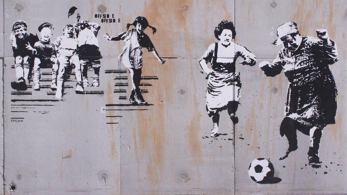 OFFSIDE by FFCHW ⚽ #Streetart #stencil #urbanart #grafflife #bombing #sprayart #streetartchat #mural #GERSWE #fußball #soccer #thestreetisourgallery