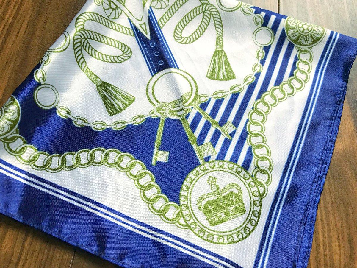 test ツイッターメディア - このスカーフ  去年フォロワーさんに 教えてもらった DAISOのスカーフなんだけど プリンスっぽくてほんとにいい??  この青は2枚持ってるww カバンにつけたら可愛い??   #真斗くんの青   #DAISO https://t.co/LJlUCvv6Op