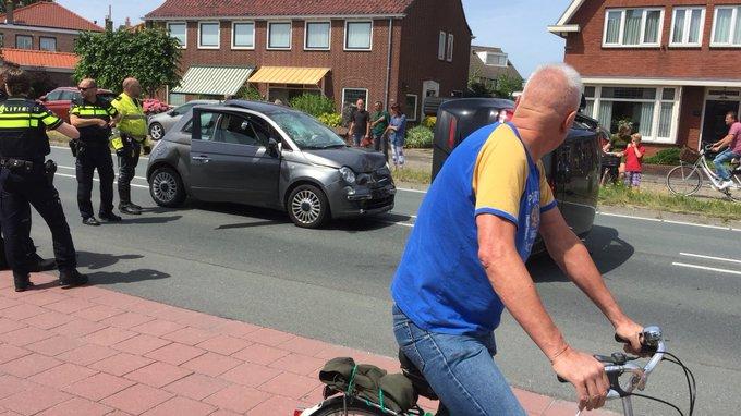 Emmastraat Monster N211 afgezet tussen Havenstraat en Vlotlaan als gevolg van ongeluk. Ambulance ter plaatse https://t.co/U5U6rNEE88