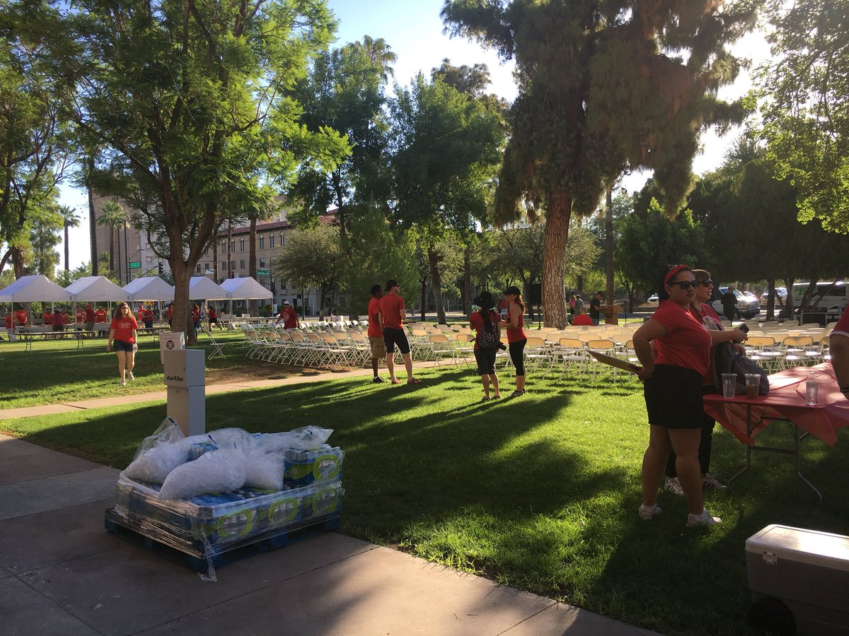 Small crowd gathered for this morning's #Red4Ed rally slated to begin at 7:30 a.m. — it's already pretty warm out. @azcentral<br>http://pic.twitter.com/EmLVTLqjjn