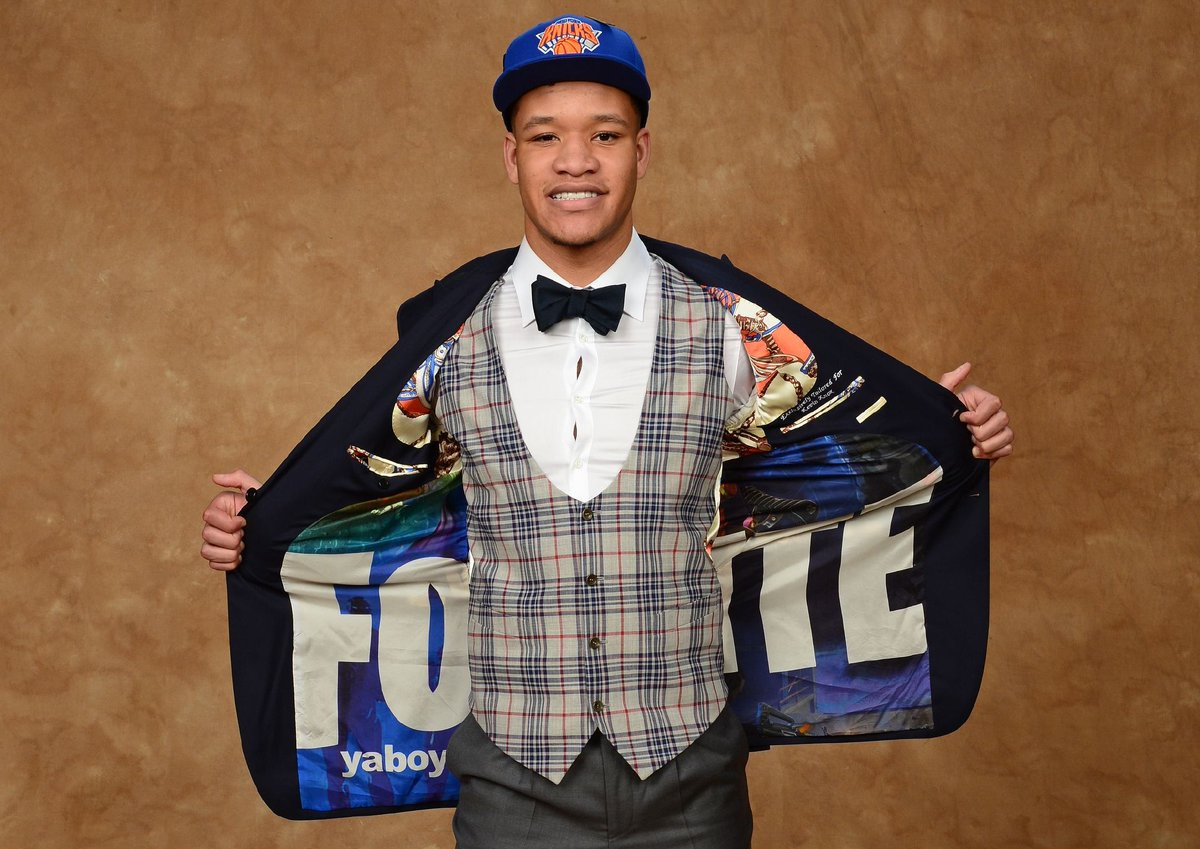 First-round pick Kevin Knox showed his love for Fortnite at the NBA Draft with a custom suit jacket https://t.co/vw8C65Yavx