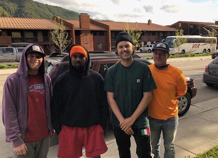 When @kanyewest spent a solid amount of time in Wyoming to create the albums we didn't know we were getting, we kept a close eye on who else was going out there to work with him. Fans were quick to catch him out and about! #TheWyomingSessions #SoundCloud soundcloud.com/remindmetotell…