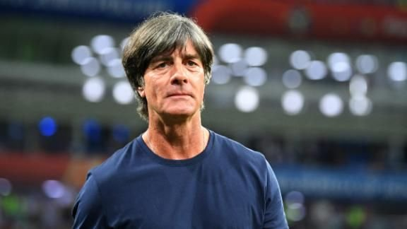 Técnico da Alemanha perdeu o controle do time e deveria tirar @esmuellert_, defende Wenzel https://t.co/yBtHUgYXXv  #ESPNNaRussia #GERSWE #GER #SWE