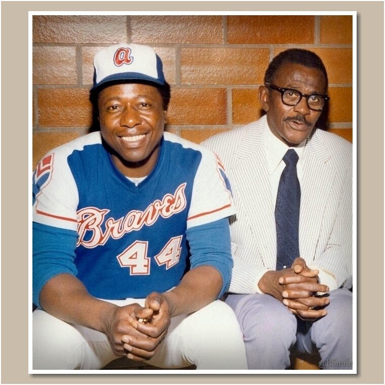 Baseball legends Hank Aaron &amp; Satchel Paige pose at the Hall of Fame Game in Cooperstown (1974) #MLB #Braves #HOF<br>http://pic.twitter.com/c27O7aLHuI