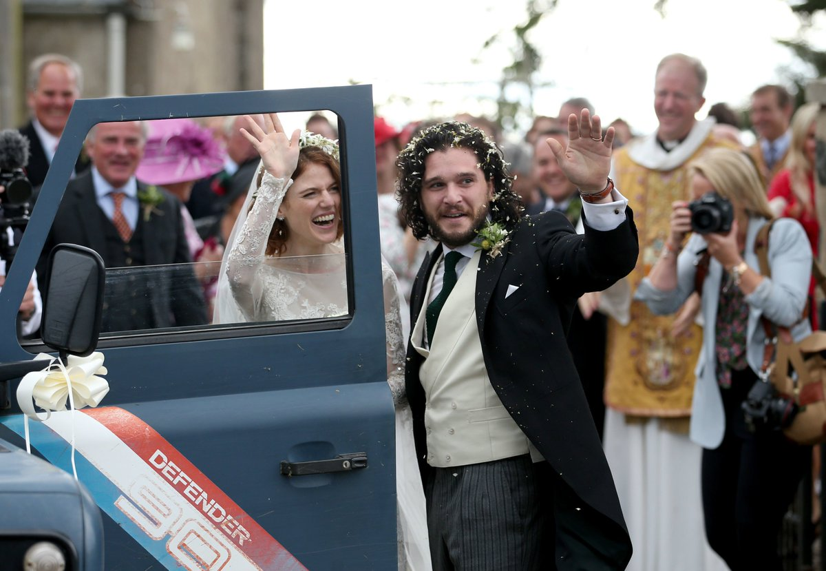 Game of Thones couple Kit Harington and Rose Leslie have left the church.  See more images: https://t.co/V7Hr5t4J6y