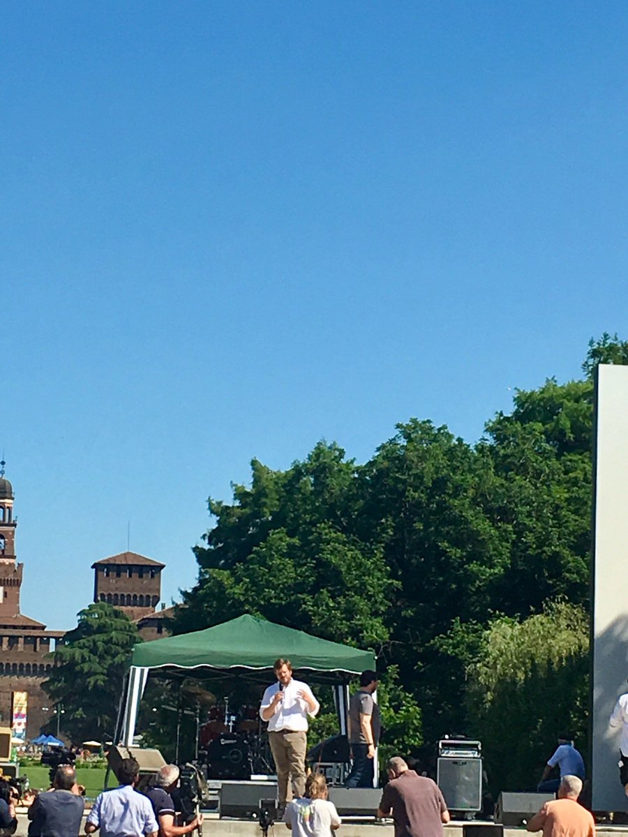 Orgogliosa della mia città #Milano #InsiemeSenzaMuri  - Ukustom
