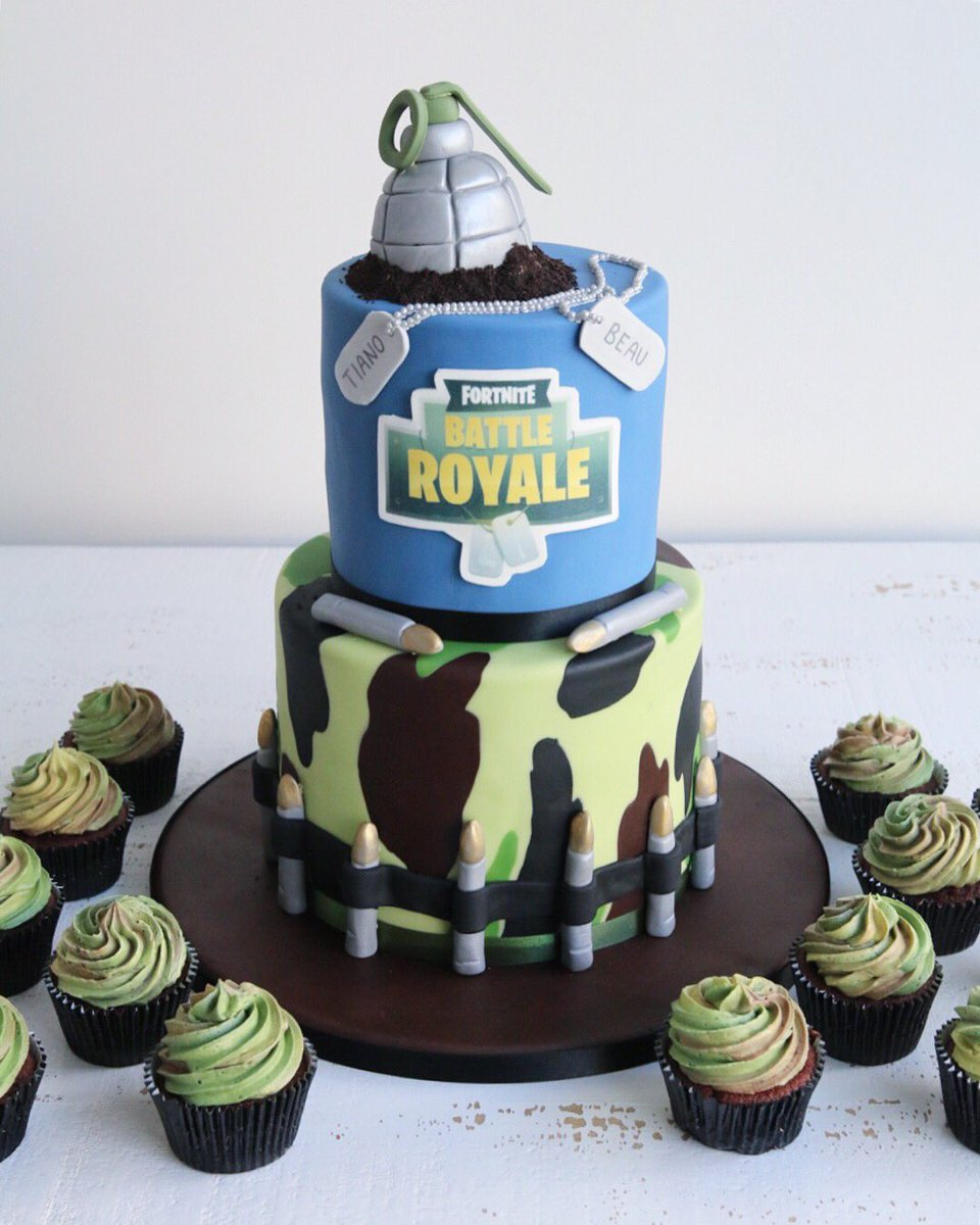 Nicole Dodds On Twitter Fun Fortnite Cake And Matching