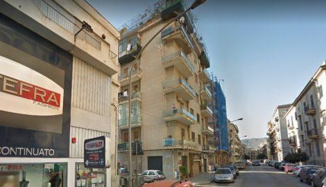 Terrore nei pressi di via Imera, un giovane di 30 anni minaccia di lanciarsi da sesto piano - https://t.co/BenHeZKJPu #blogsicilianotizie