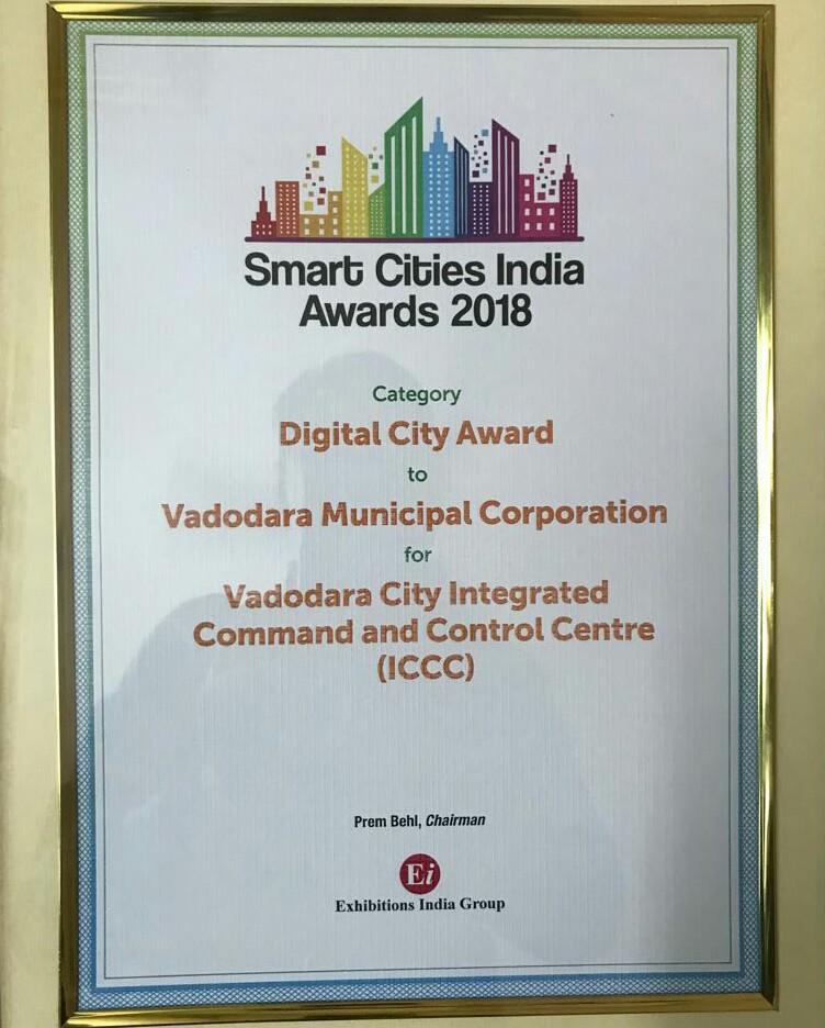 Smart city award to Vadodara.  And The real face of smart city  @aartic02  @AAPforINDIA  @aap4vadodara<br>http://pic.twitter.com/UJqb4qIOv1