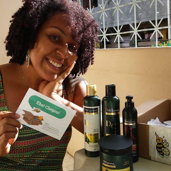Se eu sou uma boa @BzzAgentBrasil ?  Siiiimmm Acabei de receber meu kit Detox Capilar da @TRESemmeBrasil  Obrigadooooo @BzzAgentBrasil Irei experimentar tudinho.   #bzzagentbrasil #bzzagent #tresseme #kitdetox #detoxcapilar #cabelos #liberados #produtosliberados #semparebenospic.twitter.com/kkHgGLHLRy
