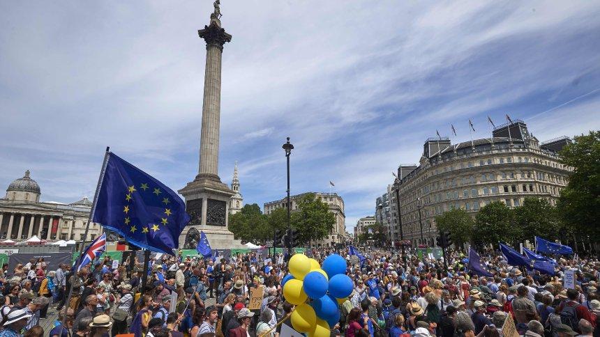 London: Zehntausende demonstrieren gegen Brexit https://t.co/G0TBKcCSLK