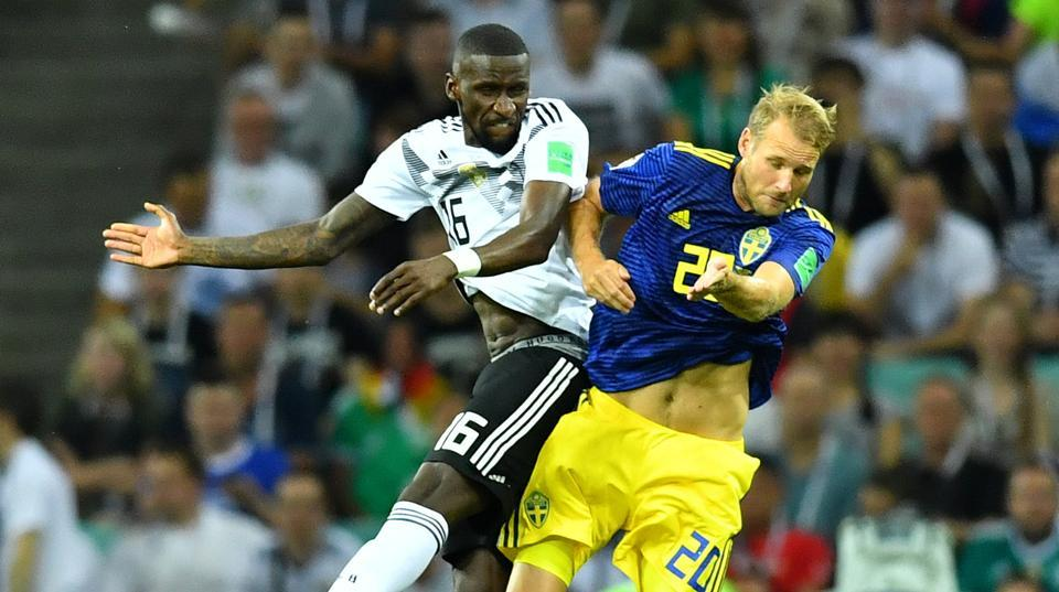 #WorldCup #GERSWE | Half-time: #SWE lead #GER 1-0 thanks to Toivonen's 32nd minute goal.   Live updates: https://t.co/nEsyVNfTqE