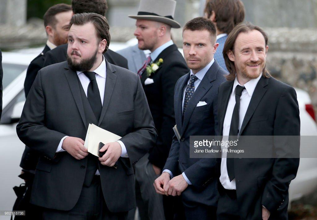 John-Bradley West (Samwell Tarly), Joe Dempsie (Gendry) e Ben Crompton (Eddison Tollett) - Casamento de Kit (Jon Snow) e Rose Leslie (Ygritte)