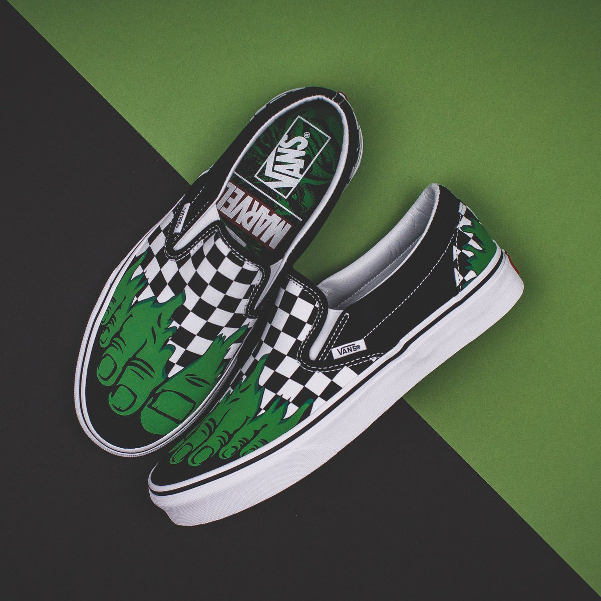 """Animado Sonrisa Confuso  Solestop ar Twitter: """"The Vans x Marvel collaboration features your  favorite superheroes being branded on shoes. Check out our entire lineup of  the Vans x Marvel collection available in-store and online now"""