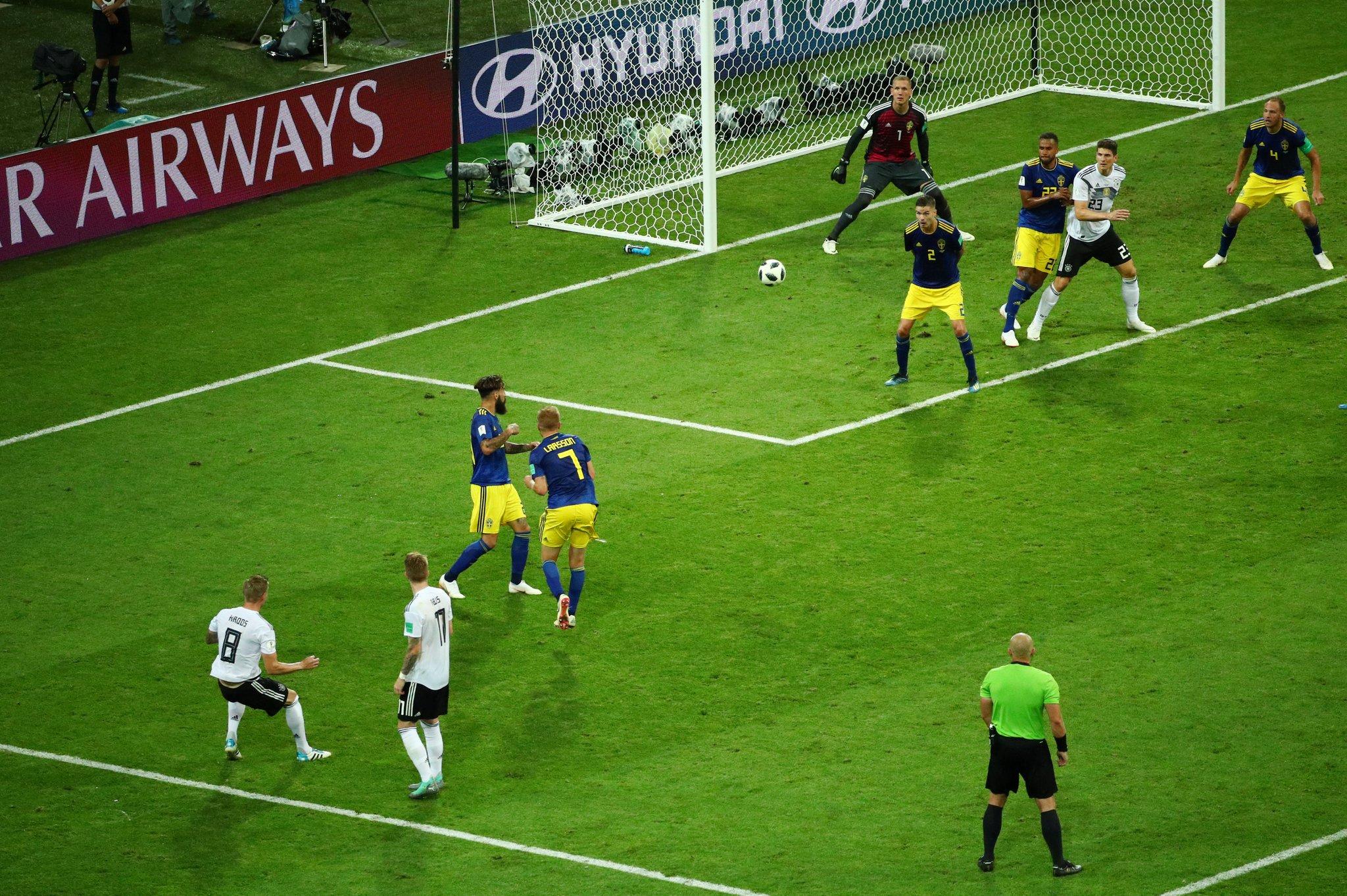 هدف ألمانيا الثاني في شباك السويد