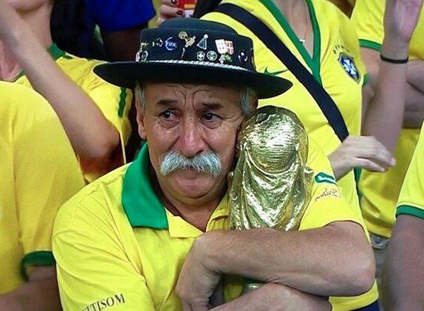 como que as pessoas podem gostar da alemanha olha a tristeza que eles trazem pro mundo inteiro!!!!!!!!!!!!!