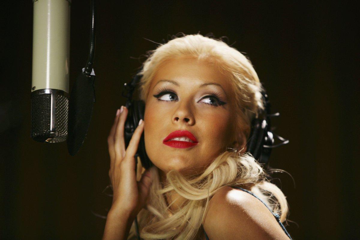 Список зарубежных популярных певиц, лесбиянки с тяни толкай фото
