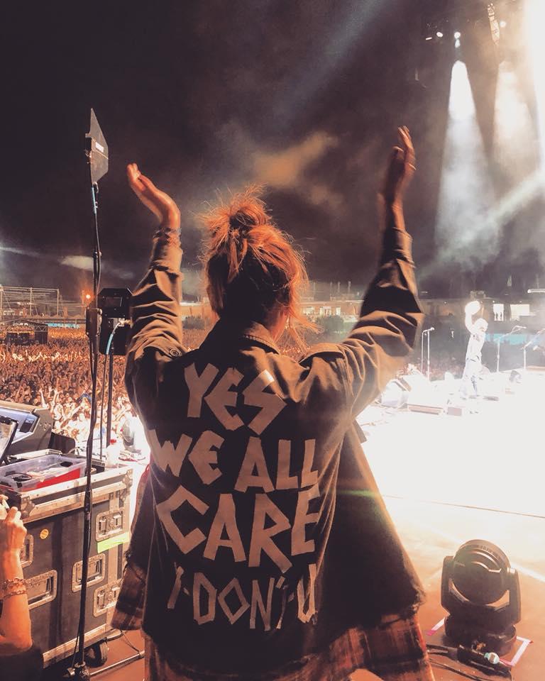 Pearl Jam e atriz mandam recado para Melania Trump sobre polêmico casaco https://t.co/gr3wyJAevF -via @Emais_Estadao
