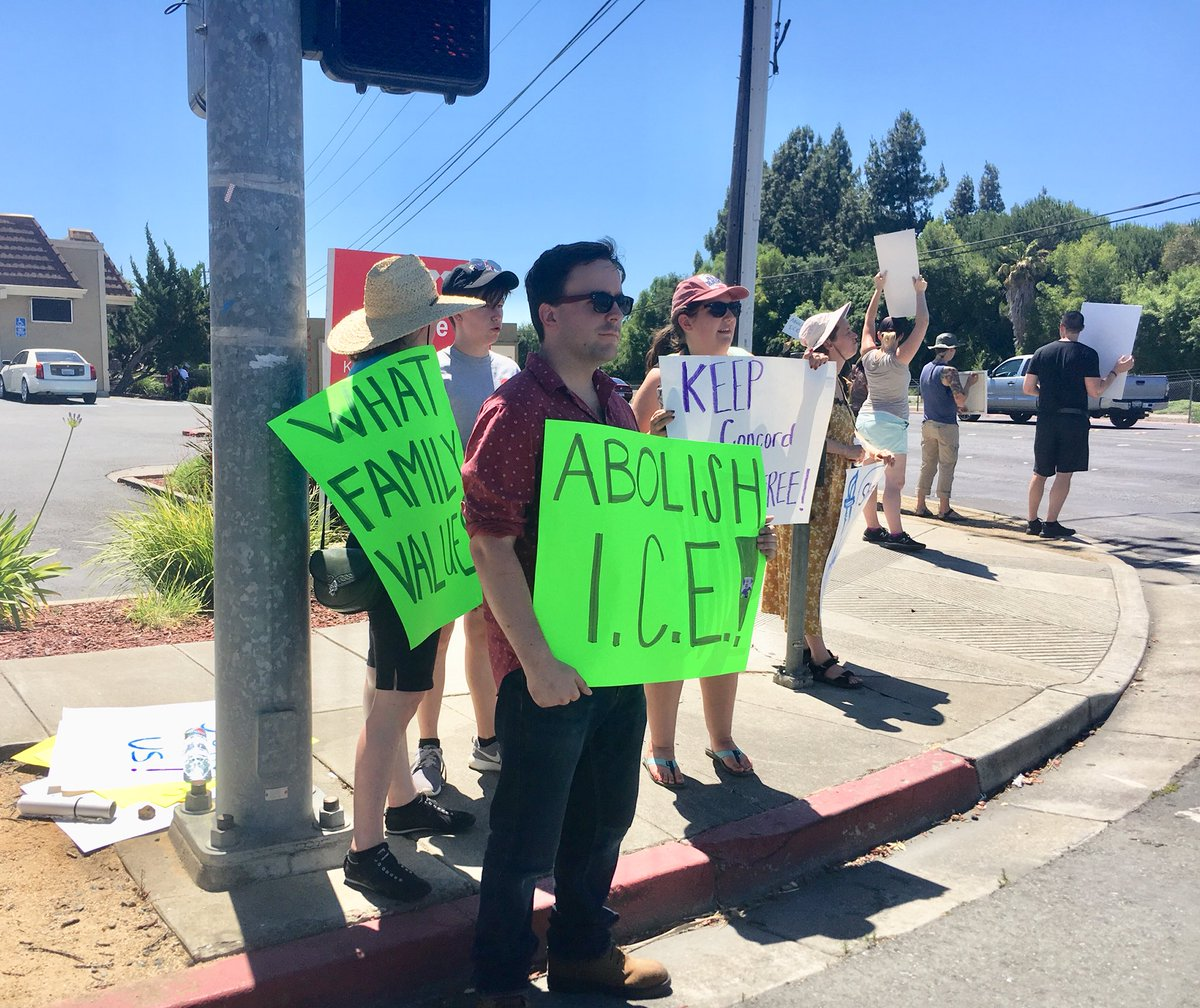 The Navy considering plan to convert Concord naval base into detention facility to hold up to 40K immigrants apprehended at southern border, says @TIME   Concord &amp;amp; Bay Area say NO!   #FamiliesBelongTogether #LetOurChildrenGo #BuildSchoolsNotJails<br>http://pic.twitter.com/3yxM3gL8zh