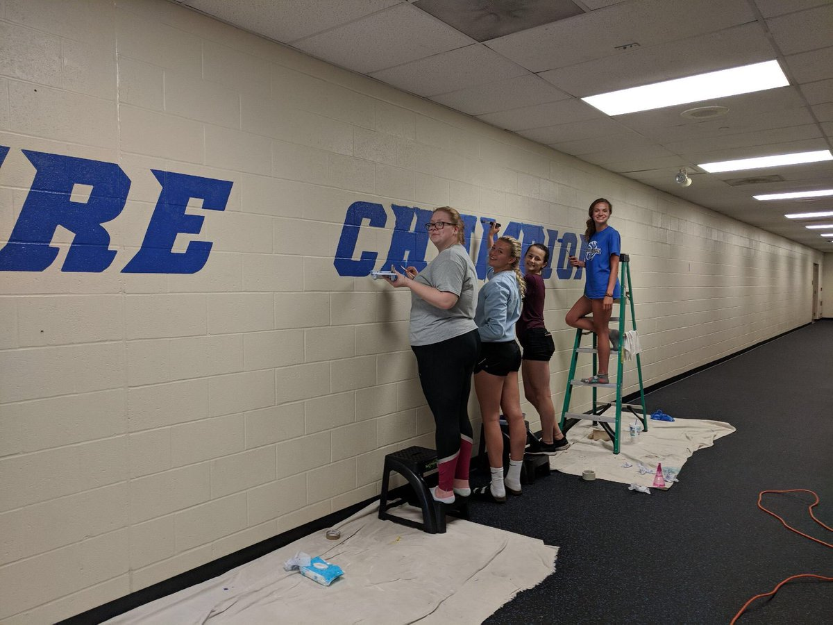 After 17 hours, a lot of fun, and several leg hand prints, we finally finished the painting the athletic hallway! So proud to attend such a great school with so much pride in their school and students. Looking forward to my senior year here! <br>http://pic.twitter.com/8bAVpXyHu2