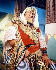 @MeTV #Batman66 s3 ep6 Unkindest Tut of All: King Tut has been predicting crimes, then making sure they happen in order to gain the police&#39;s confidence. He hopes to send them on a false lead while he commits the crime of the century.  get your @FiguresToyCo  #ReMego #KingTut <br>http://pic.twitter.com/GLg7t3l2EC