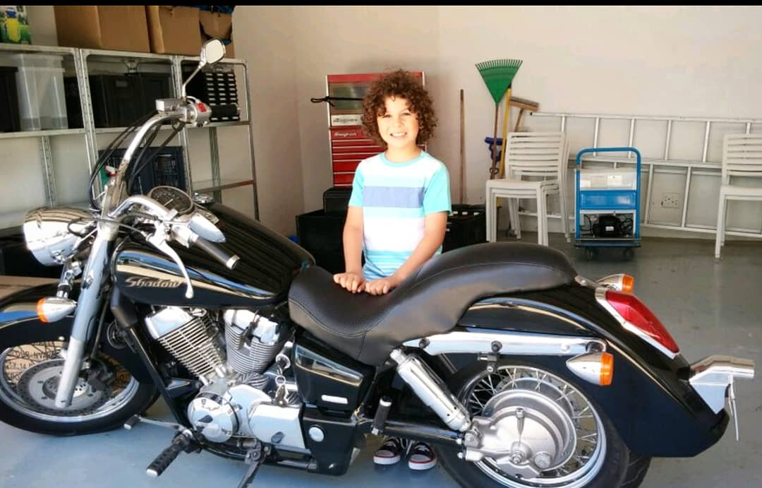 Noah&#39;s Motorcycle from The #KissingBooth....  Do you think I&#39;m big enough to ride it yet    @netflix @komixx @Reekles @JacobElordi  #TheKissingBooth #motorcycle #noahflynn #harleydavidson<br>http://pic.twitter.com/UJSJLxNBa4
