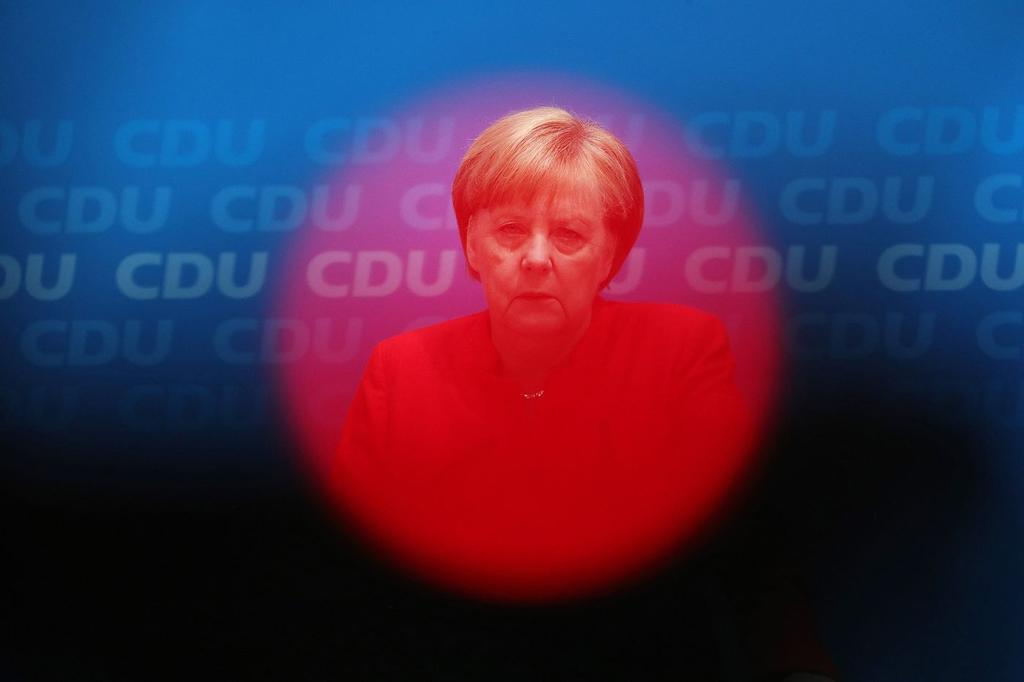 EU seeks migration deal in a summit with Merkel's fate at stake https://t.co/Vk0kmoKwVI via @nchrysoloras @gviscusi #tictocnews