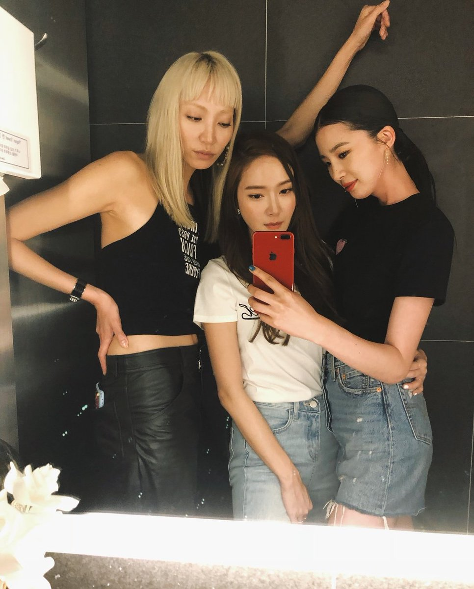 180624 Jessica Jung with Soo Joo Park on Irene Kim IG Update  https://www. instagram.com/p/BkZYAx2HKcc/ ?utm_source=ig_share_sheet&amp;igshid=py7xmnhg1oqg &nbsp; … <br>http://pic.twitter.com/Dyh8OSyzvP