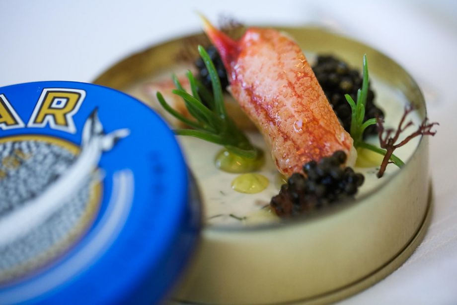 Palo Alto has finally gotten an exceptional restaurant: Protégé from French Laundry alumni has excellent food, a well-tailored interior and good service.  Read @michaelbauer1's 3-star review: https://t.co/nm8hKvXuzd